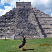 2012Kukulcanpyramid01